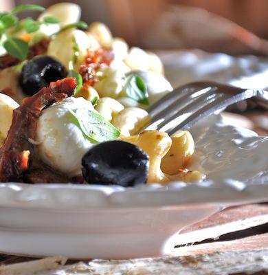 Pastasalat_mit_getrockneten_Tomaten