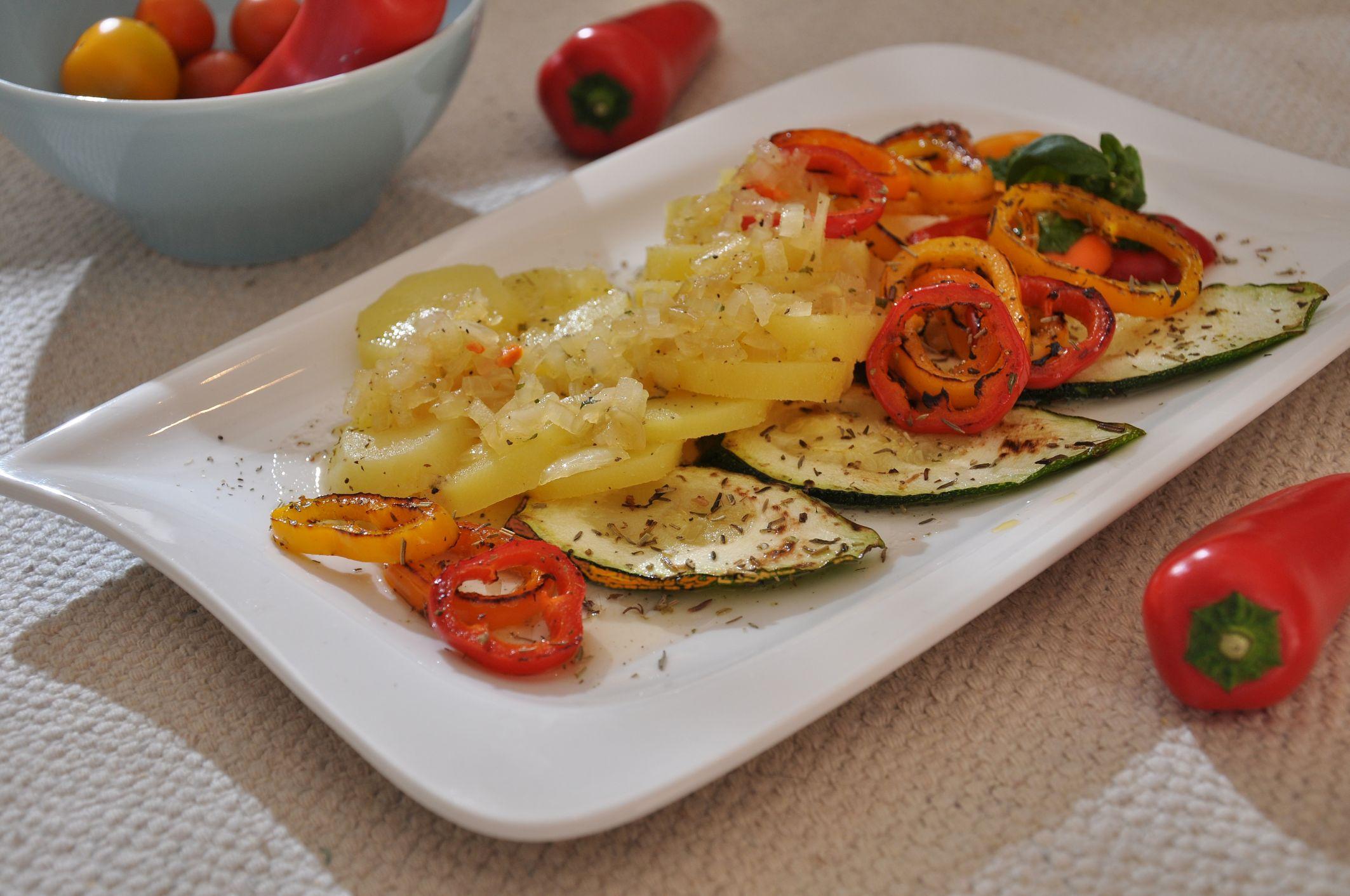 Kartoffelsalat mit Grillgemüse